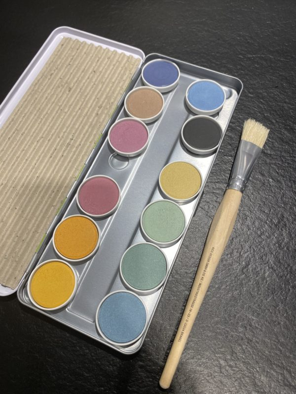 Wasserfarbe zum markieren von Wildbienen