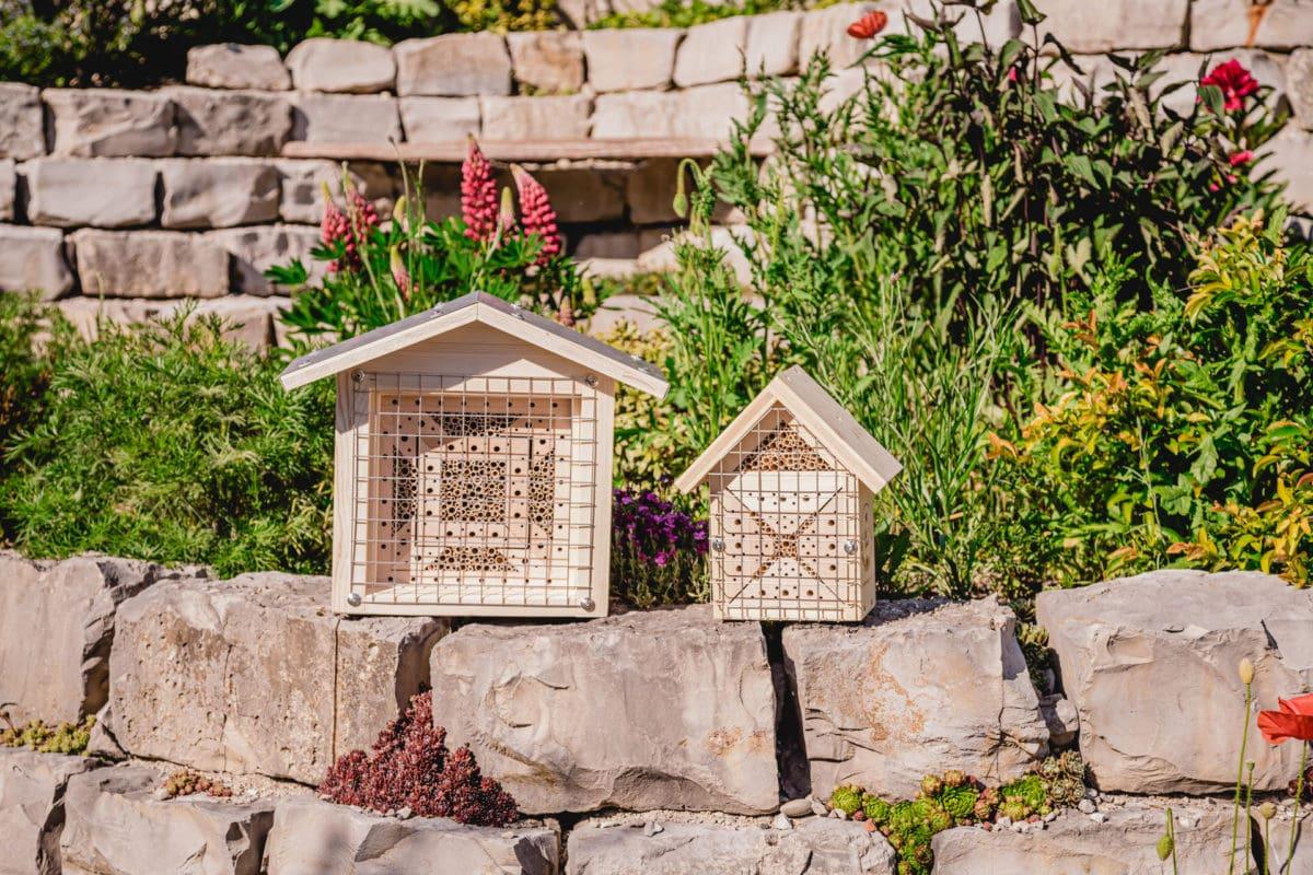BienenTempel und kleines Insektenhotel Bienenliebe