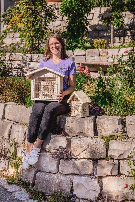 Judith mit BienenTempel und BienenLiebe